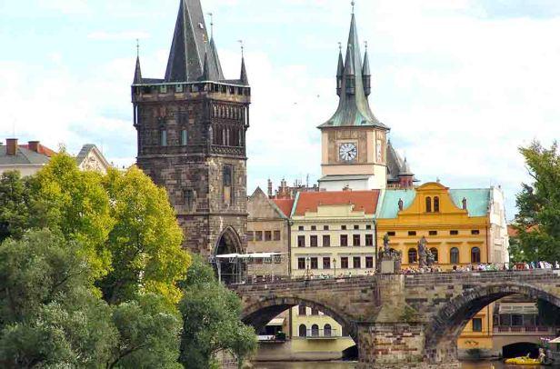bridge-to-a-palace